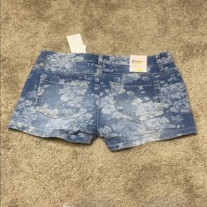 Candie's Shorts - NWT Candies Jean shorts with floral pattern